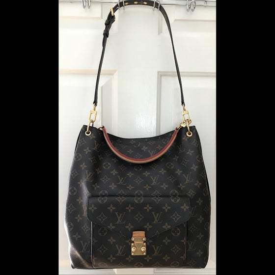 Image of Louis Vuitton Monogram Metis Hobo Bag