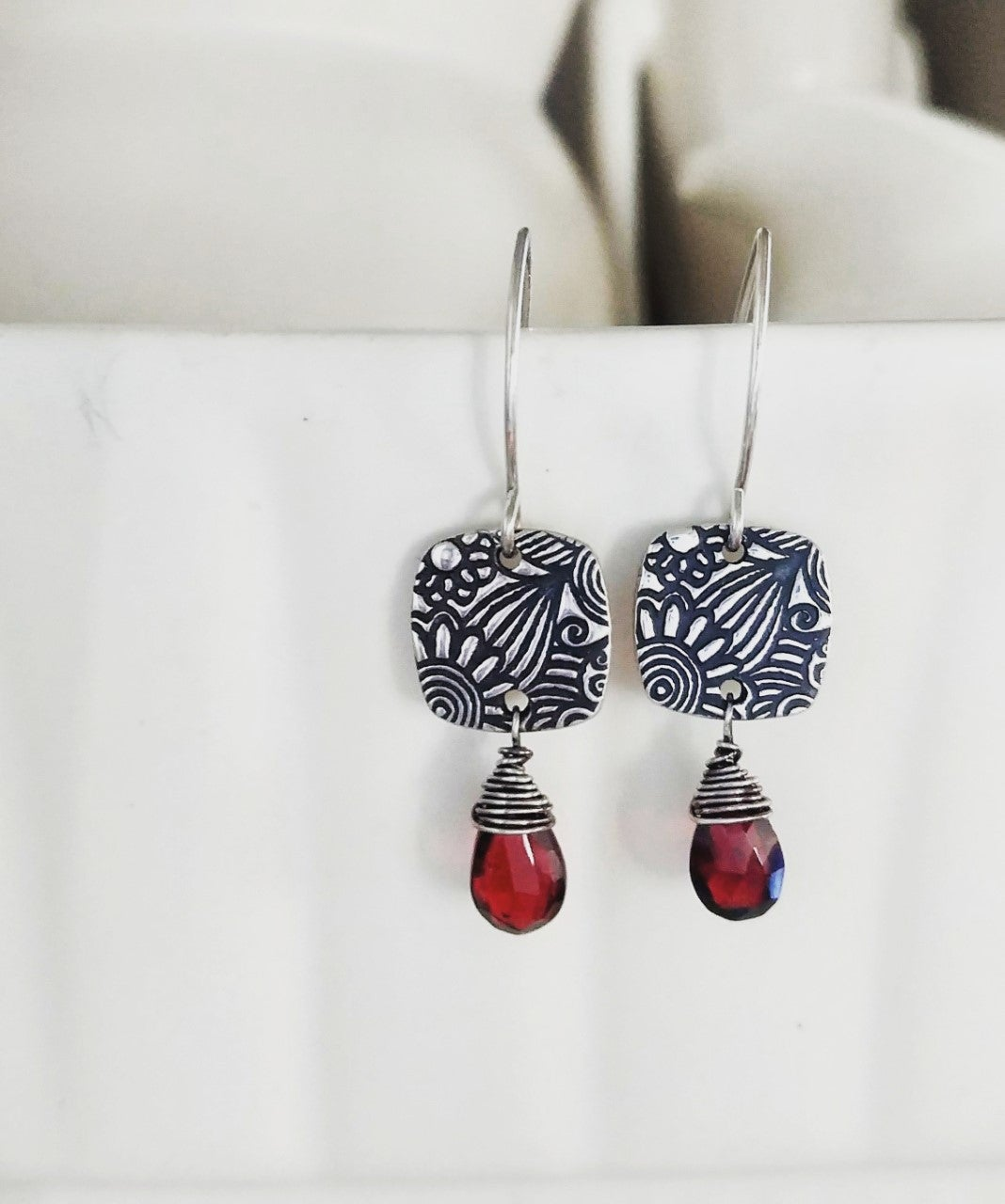 Image of Sunflower Tapestry Squares with Faceted Red Garnet Earrings