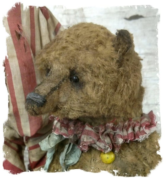"Image of 9"" old worn Antique Style Circus Grizzly Bear (New Design) by Whendi's Bears"