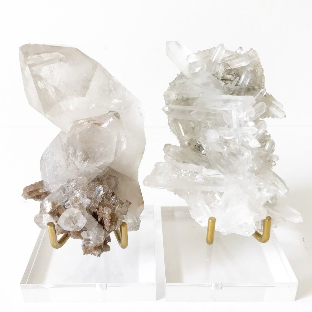 Image of Quartz no.679 + Lucite and Brass Stand Pairing
