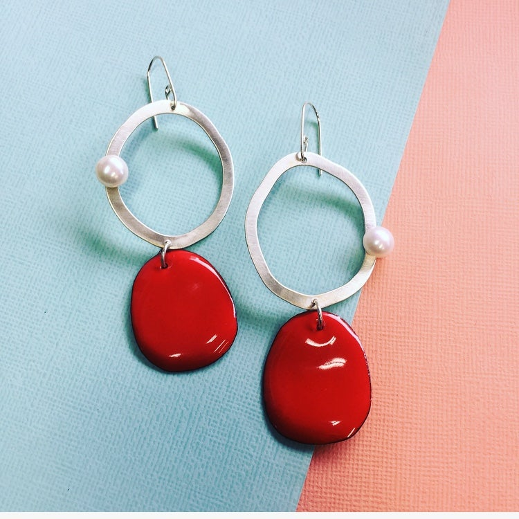 Image of Silver and pearl enamel drop