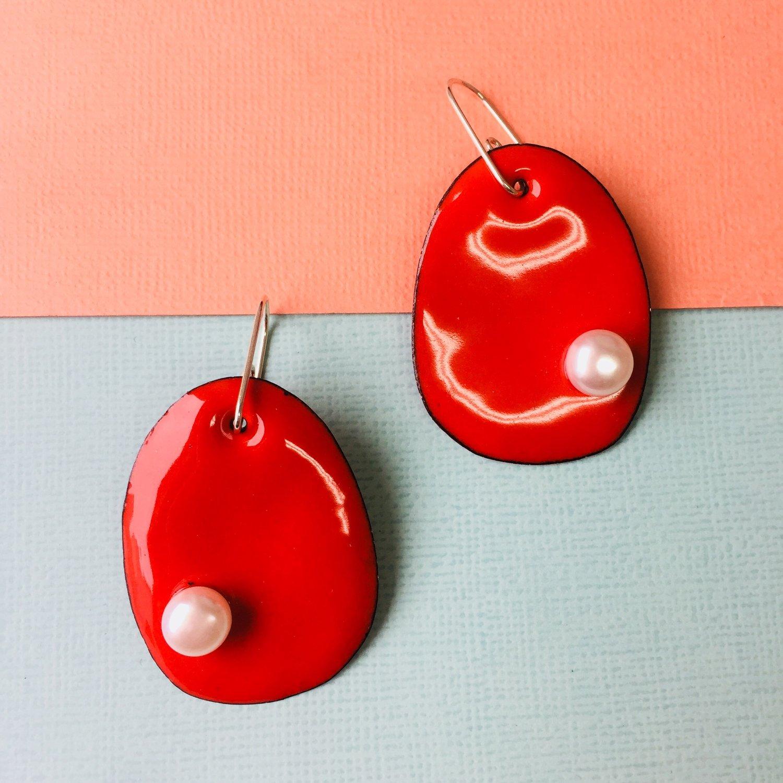 Image of Enameled pearlie earrings with freshwater pearls