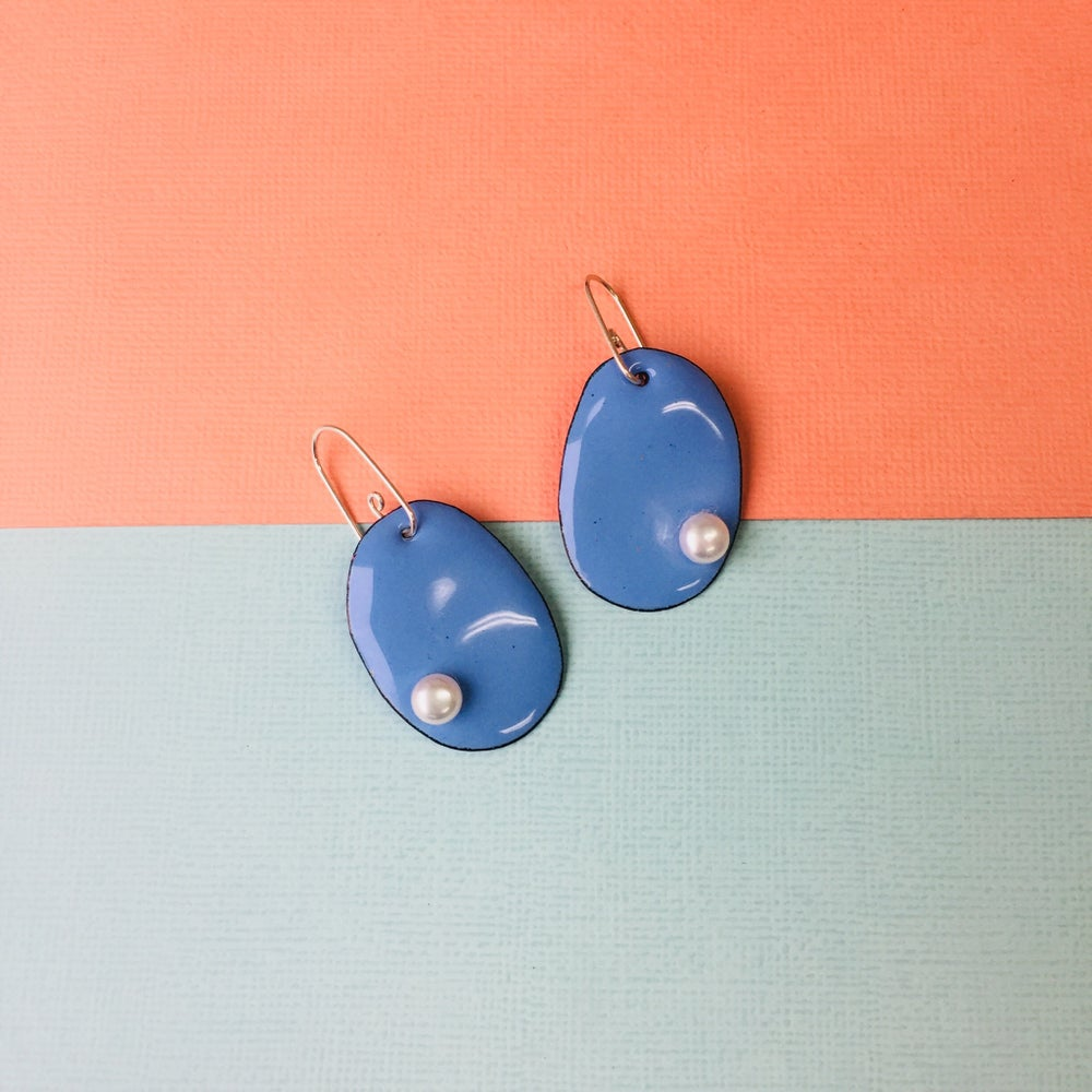 Image of Handmade enamelled pearlie earrings with freshwater pearls - small