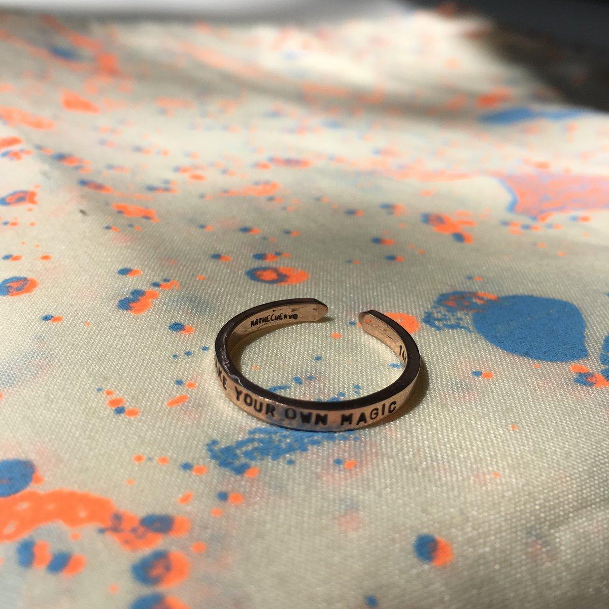 Image of adjustable 18k gold custom ring