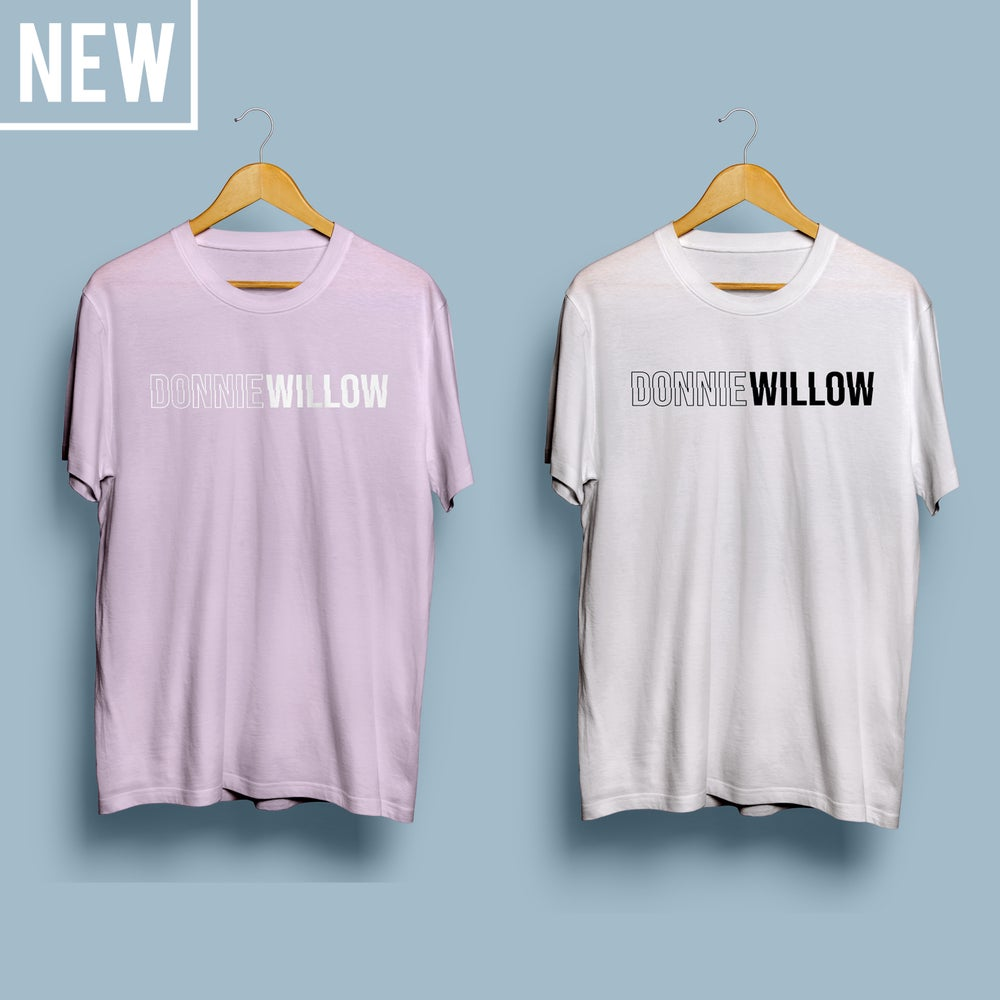 Image of 'DONNIEWILLOW' T-SHIRT (Pink/White)