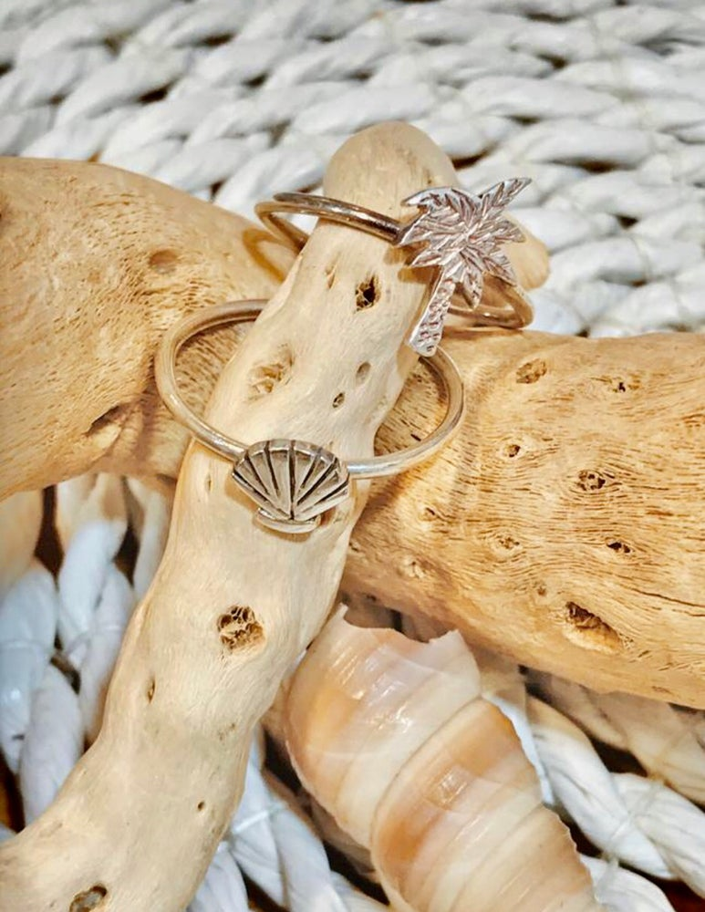 Image of Sterling silver palm tree & seashell ring