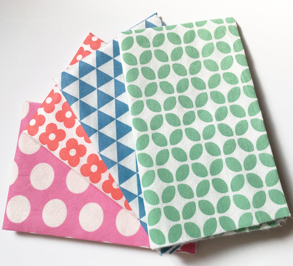 Image of Mixed Pattern Ultra Absorbent Cloths - 16 loose cloths (4Red + 4Blue + 4Green +4Pink) ***NEW***