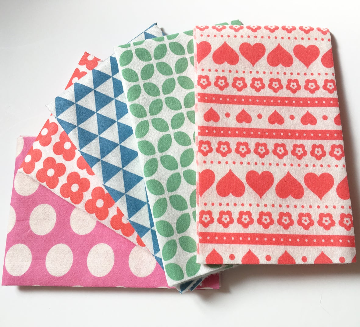 Image of Mixed Pattern Cloths - 20 loose cloths (4Red Daisy + 4Blue + 4Green +4Pink +4Red Scandi) ***NEW***