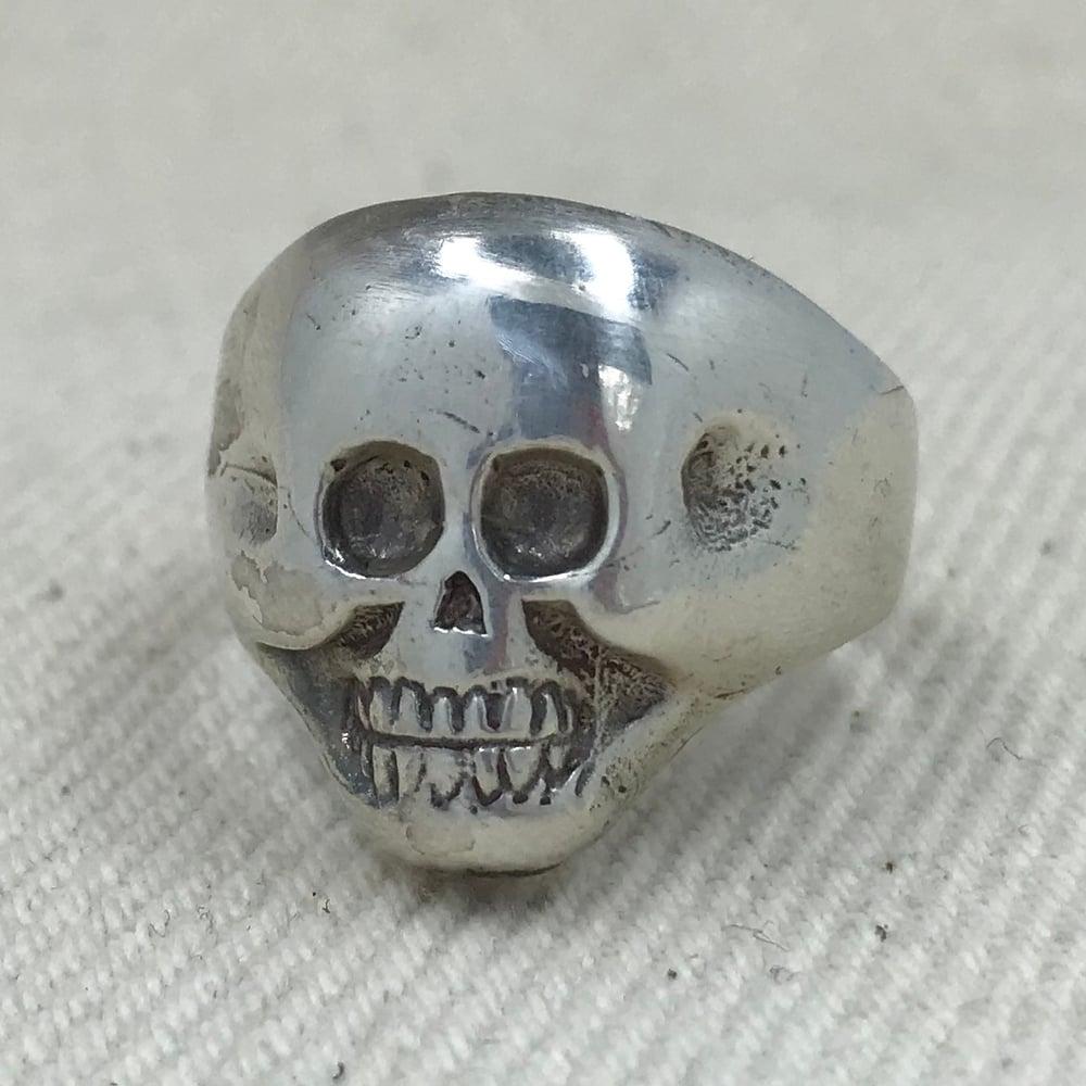 Image of LUCKY SKULL RING