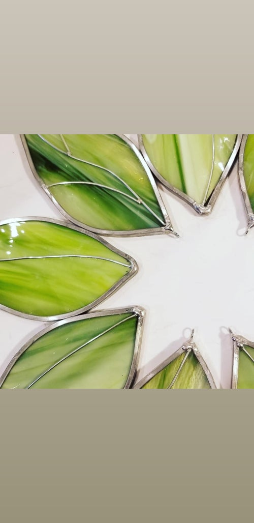 Image of Green Wreath-stained glass