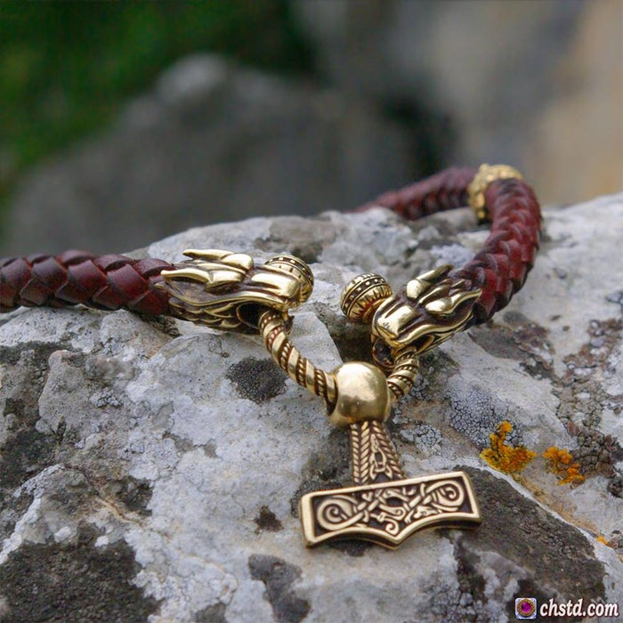 Thor's Hammer : Mjolnir - Leather Necklace