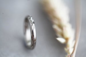 Image of *NEW* 18ct white gold, 3mm 'Barleycorn' ring
