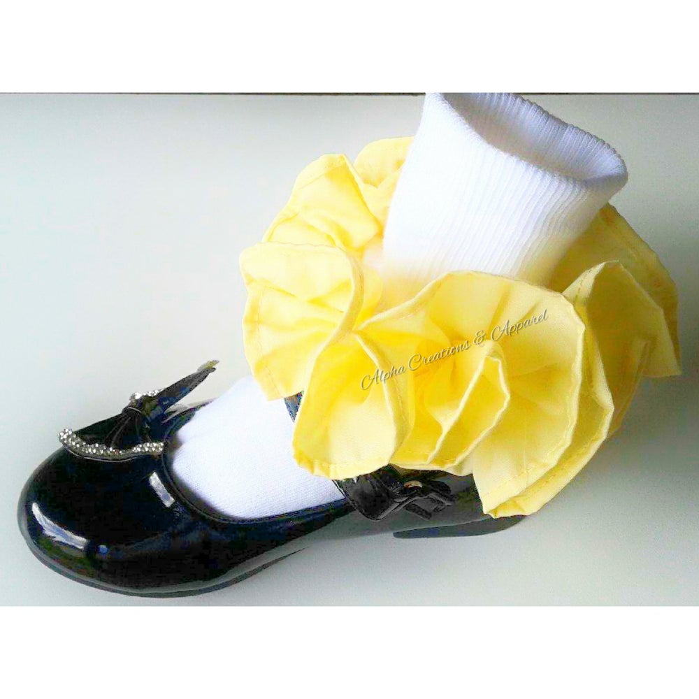 Image of Solid Color Ruffle Socks