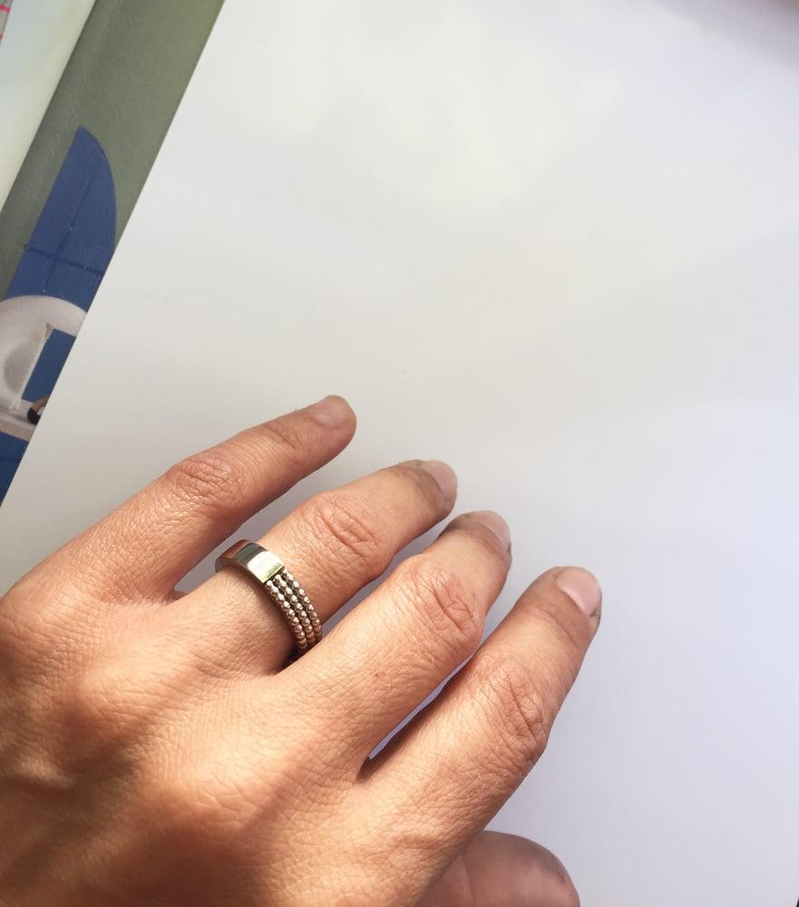 Image of Gandharva slim white gold