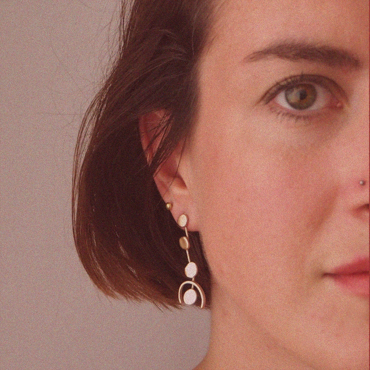Image of PAOLA GOLD MIDI EARRING