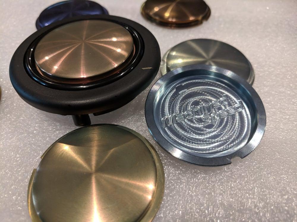 Image of Titanium Momo horn