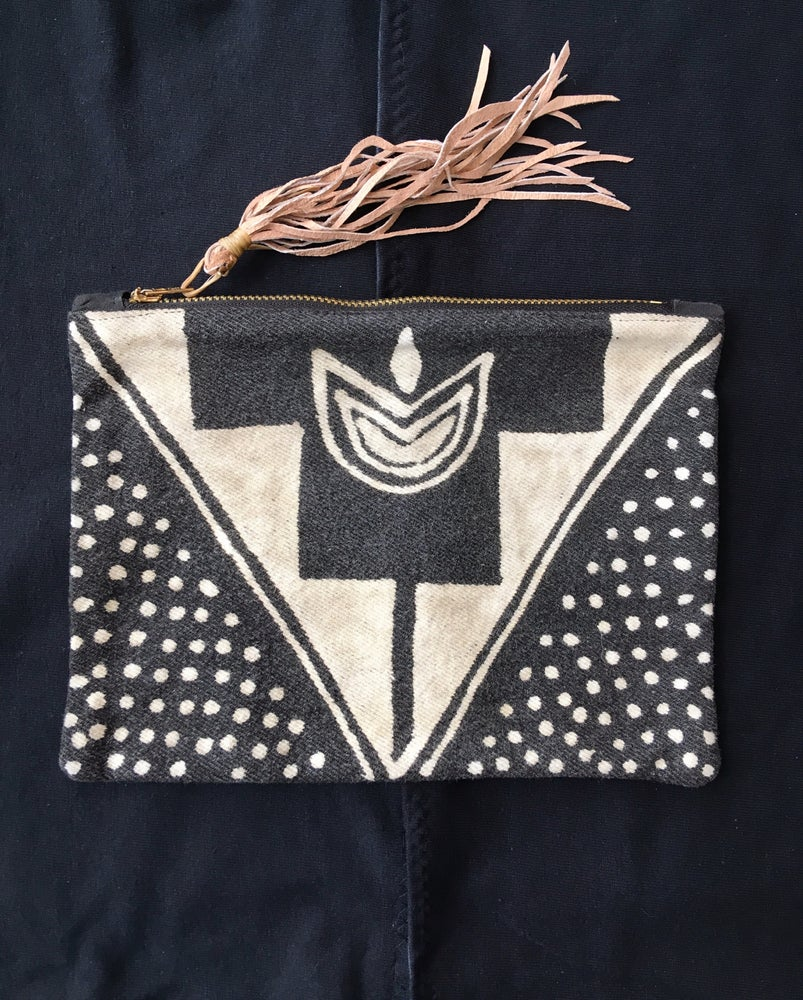 Image of <> KEEP CLOSE <> hand made zipper pouch