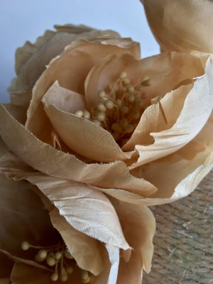 Image of Cream silk flowers #2