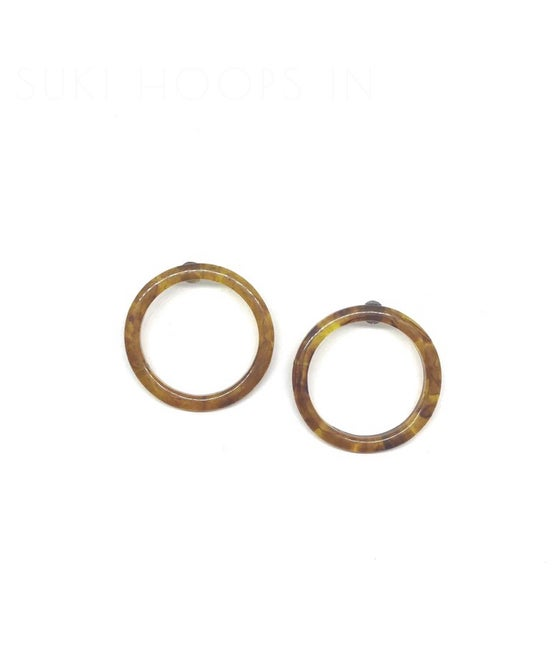 Image of Suki Hoops in Amber