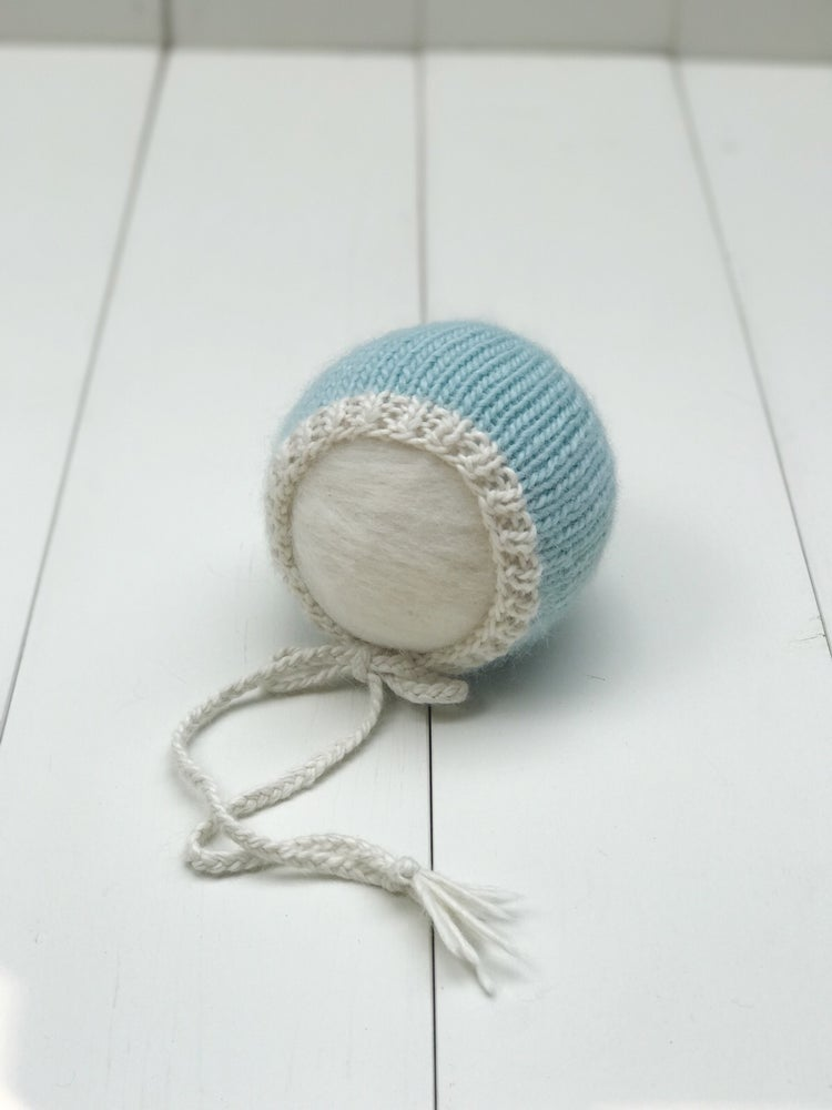 Image of Alpaca Bonnet - Blue/Cream - RTS
