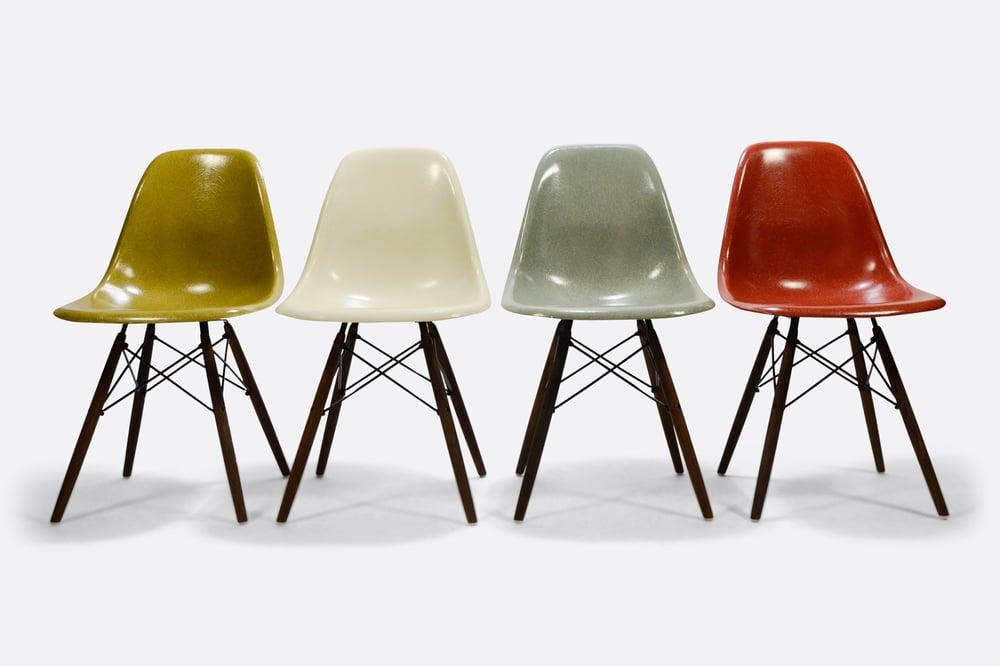 Image of Set of 4 Eames fiberglass chairs stuhle rare colors Herman Miller