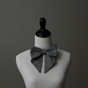 Image of Charcoal Chambray Lady Bow
