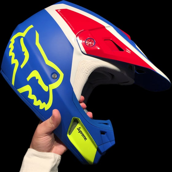 Image of 2018 FOX V2 HELMET (MC)