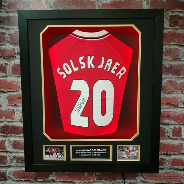 Image of Ole Gunnar Solskjaer 1999 shirt