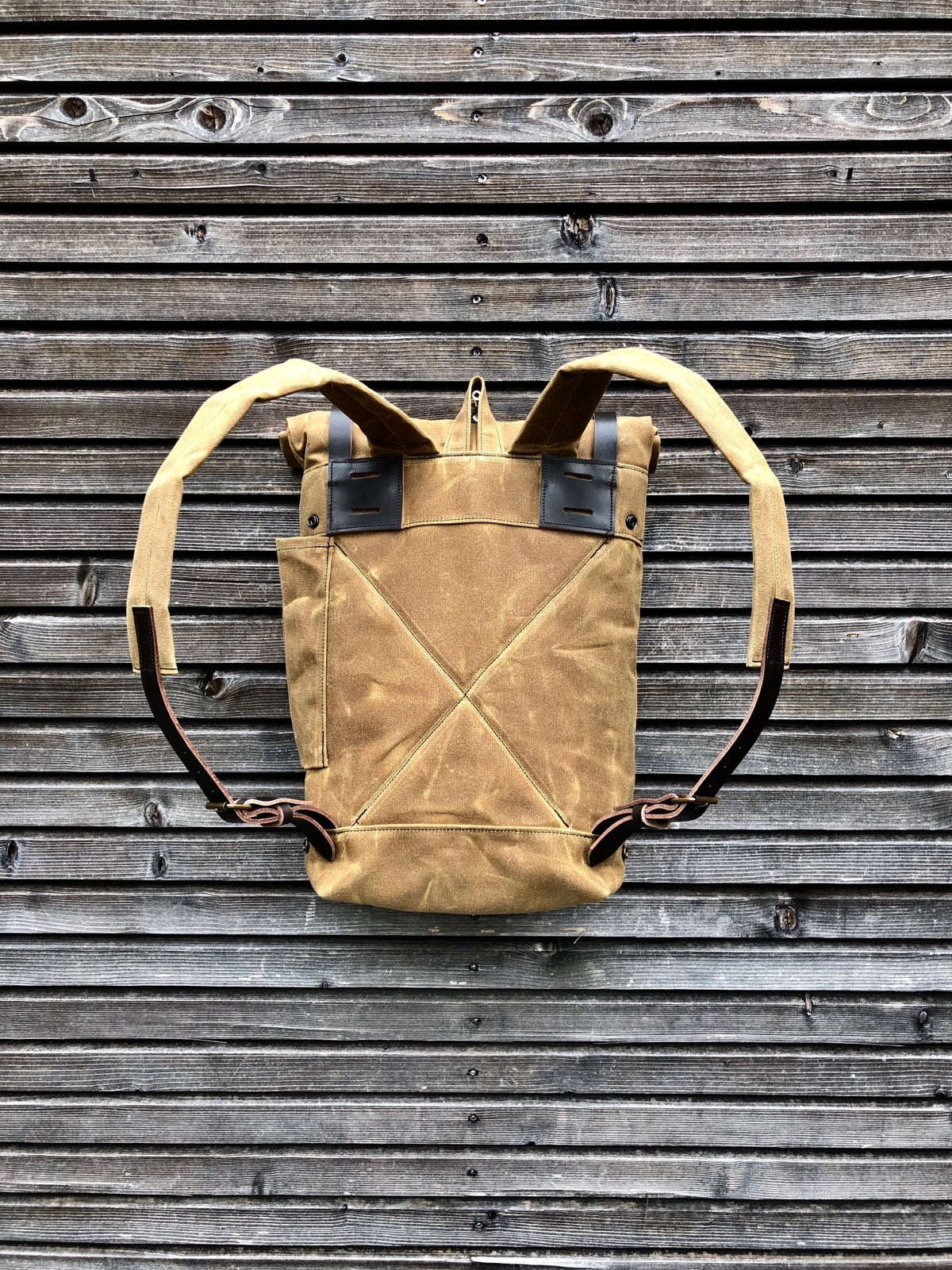 Image of Convertible backpack into bike pannier in waxed canvas / bike accessories