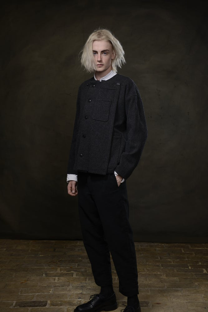 Image of THROW SHIRT WOOL - CHARCOAL