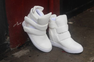 Image of Play Date-Low Top White