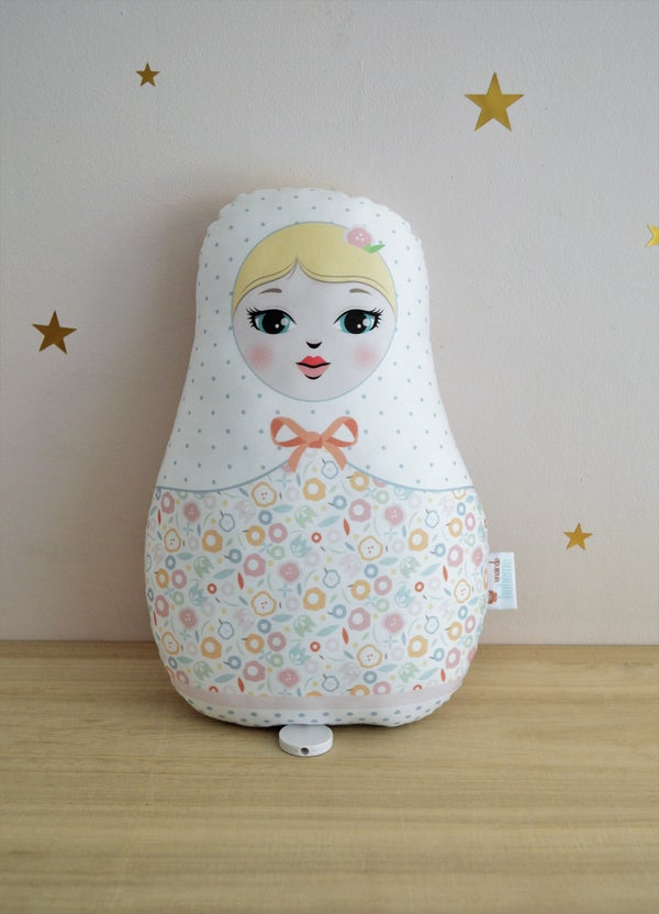 Image of COUSSIN MUSICAL POUPEE RUSSE VERSION BLONDE