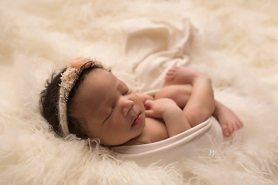 Image of Mini Wrapped Newborn Session (retainer)