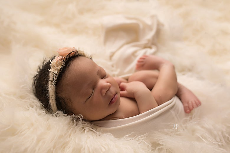Image of Mini Wrapped Newborn Session (retainer)