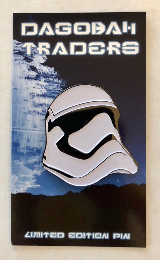 "Image of FN Trooper Helmet 1.5"" Lapel Pin"