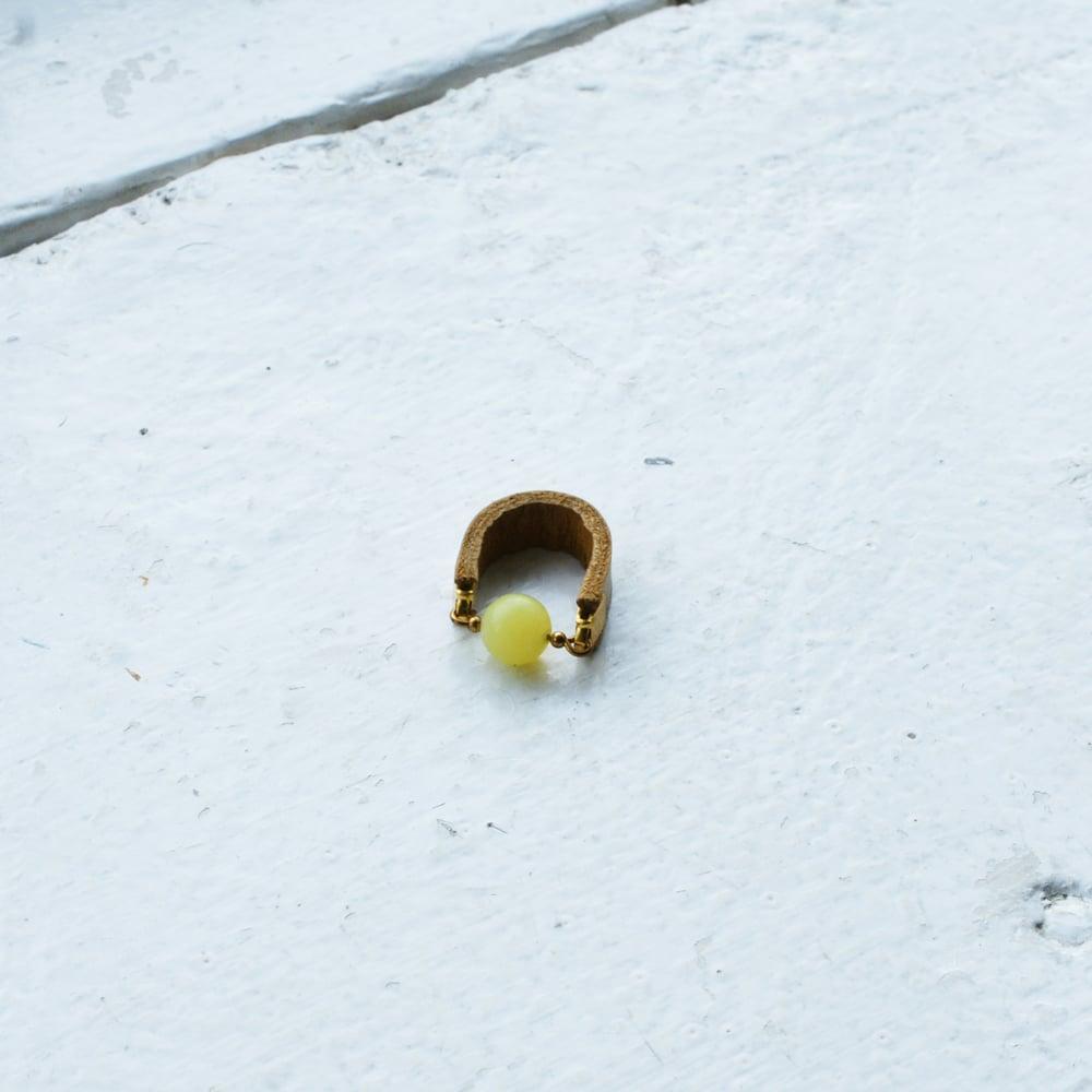 Image of Dot ring - Yellow Jade