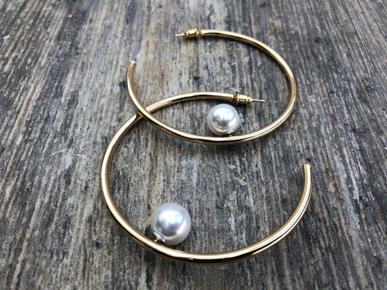 Image of Akoya Hoop Earrings