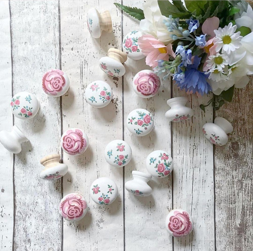 Image of Decoupaged Pine Knobs
