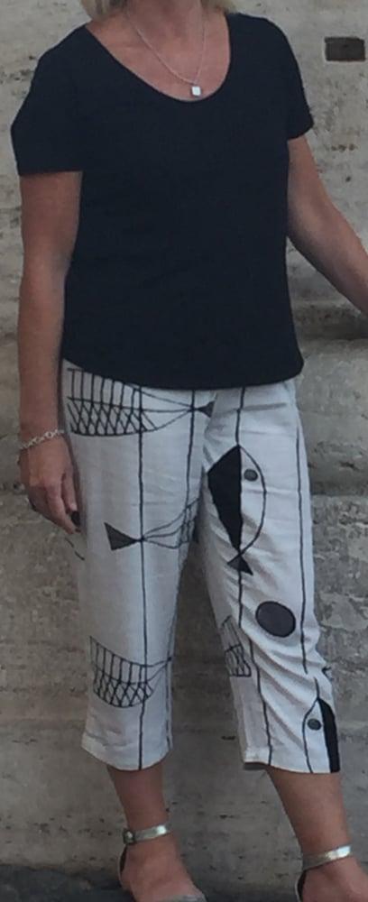Image of Three quarter linen pants cream - pac01
