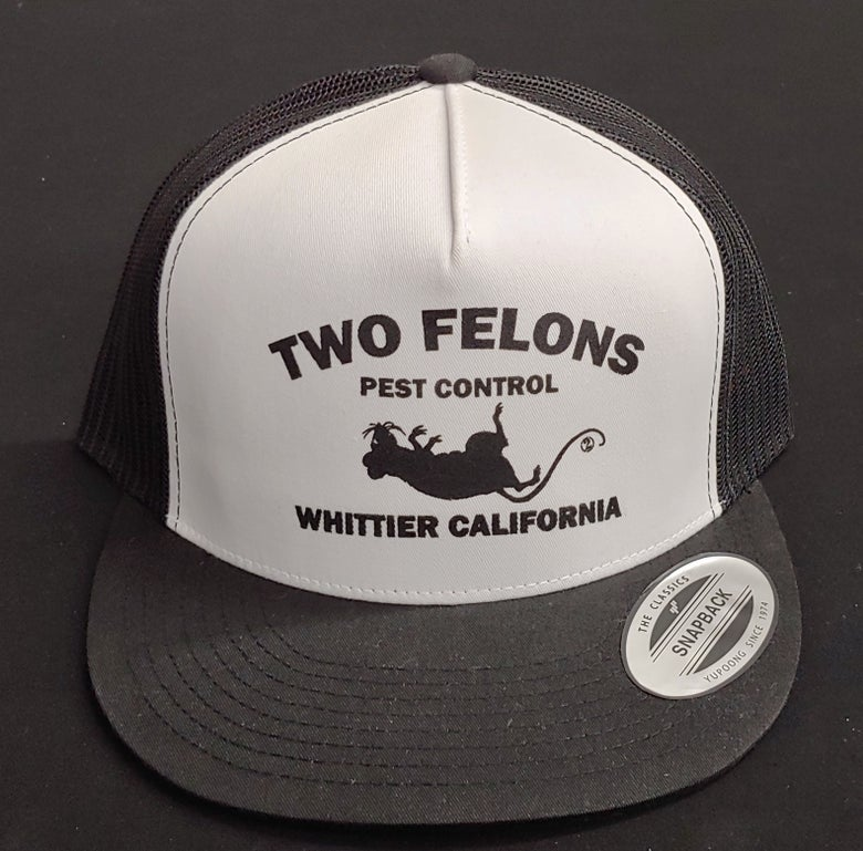 "Image of Two Felons ""Pest Control"" V2 Trucker (b/w/b)"