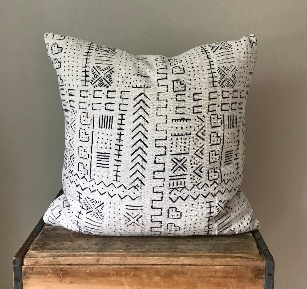 "Image of Geometric Mudcloth Pillow 20""x20"""