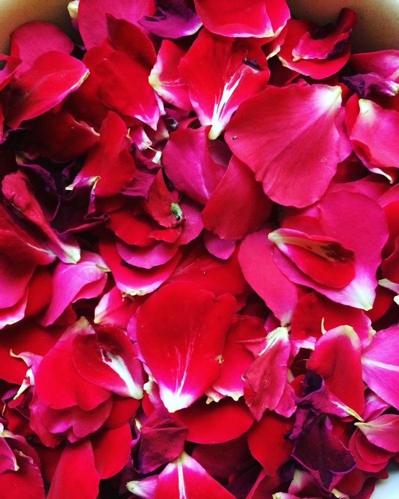 Image of Rose Water ~ 2 oz. spray