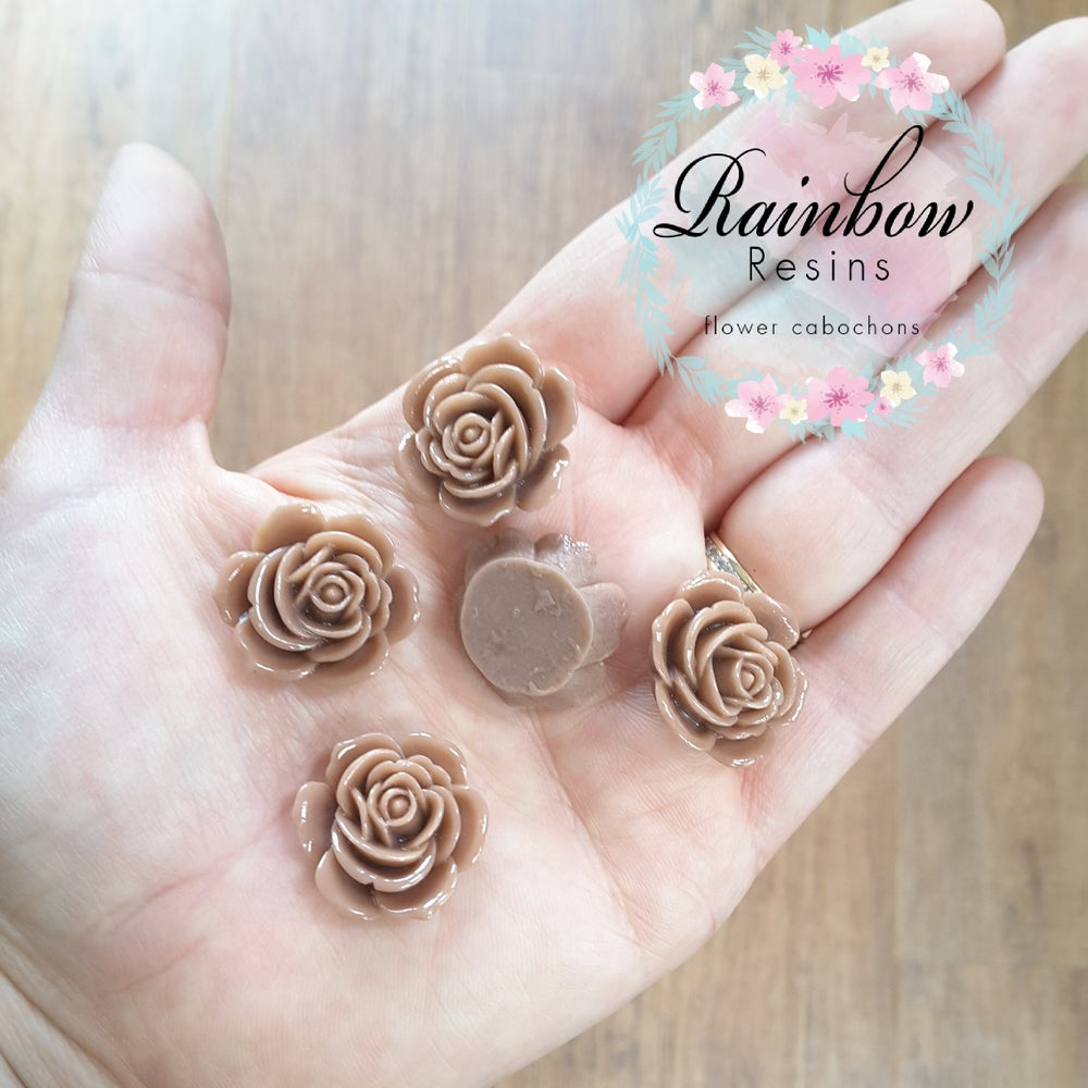 Image of Sable brown roses x 10
