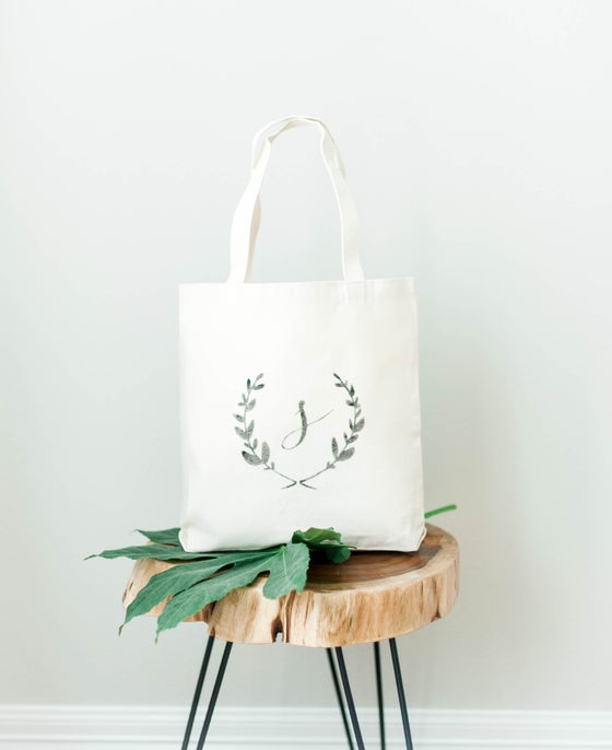 Image of LAUREL WREATH MONOGRAM MEDIUM TOTE