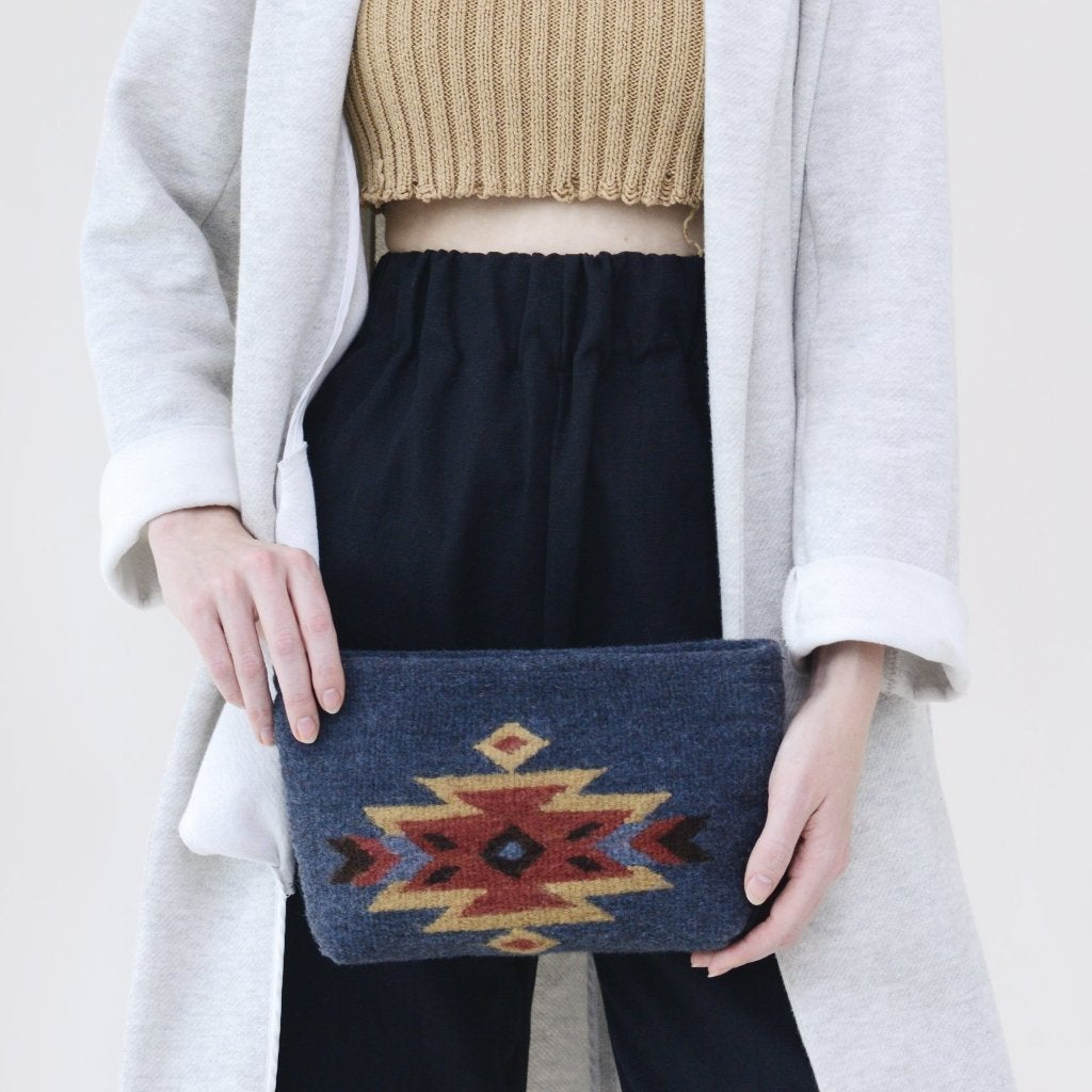 Image of Eagle Lupita Clutch