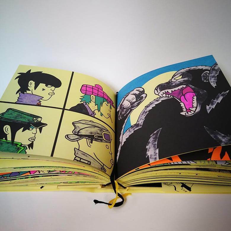 Image of Livre Gangster Doodles
