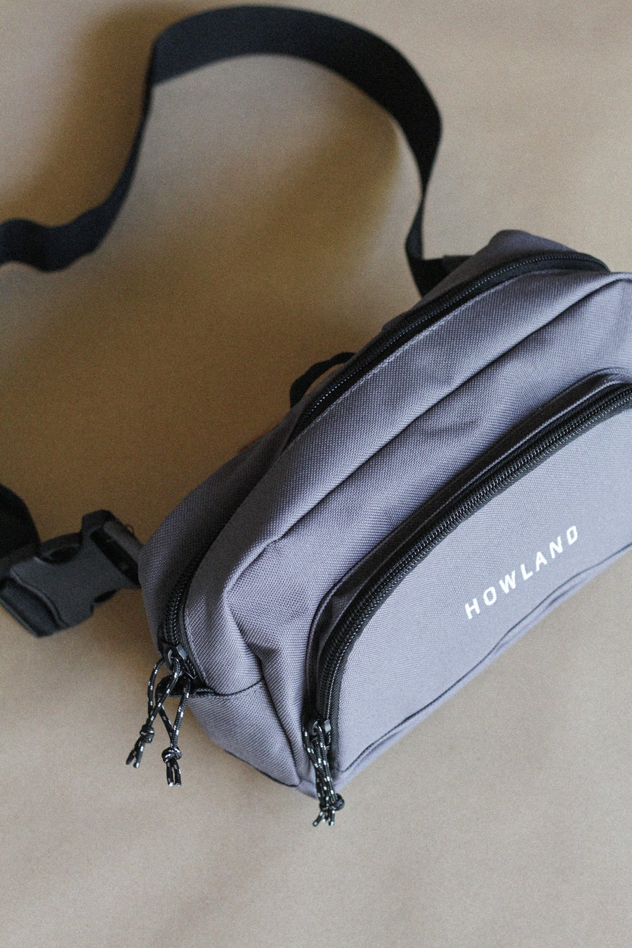 Image of GREY SLING BAG