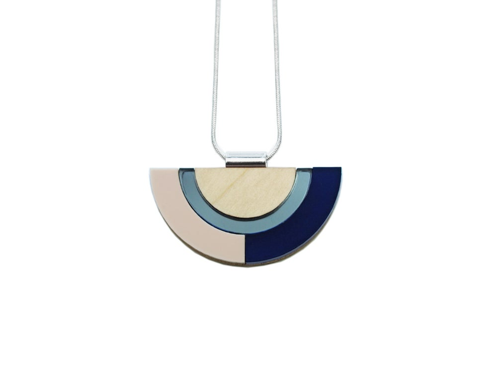 Image of OUTLINE NECKLACE - SAPPHIRE