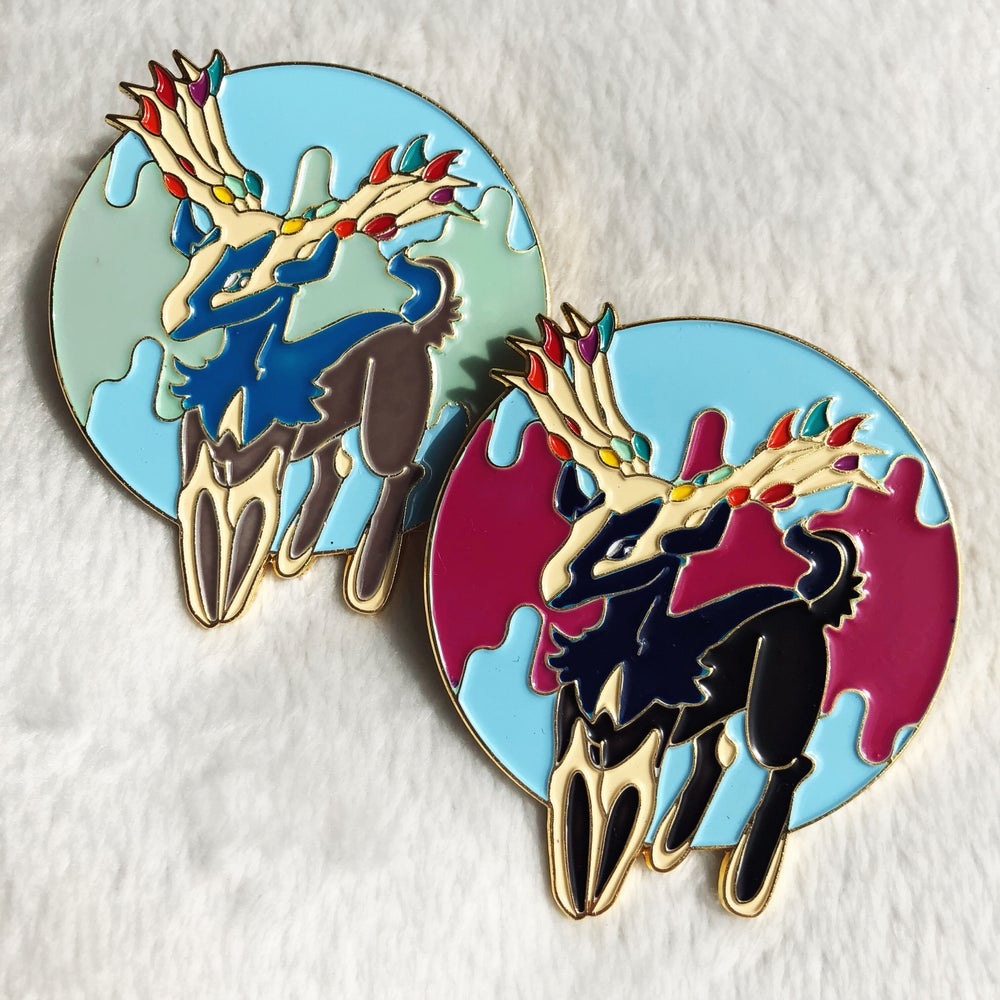 Image of Fairy Deer Deluxe Color-Changing Pin