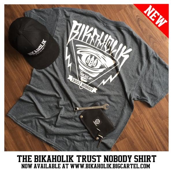 Image of Bikaholik Trust Nobody Shirt - heather grey